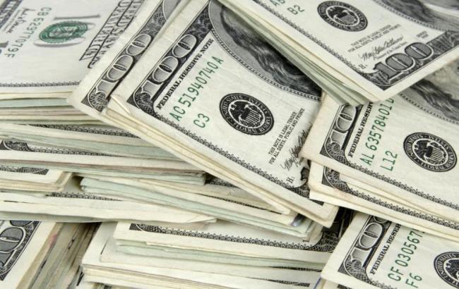 Готівковий курс долара у продажу підвищився до 28,23 гривні/долар