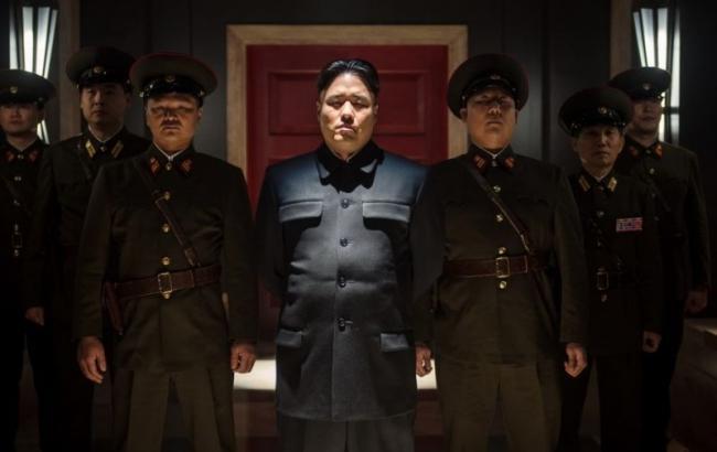 """Фільм """"Інтерв'ю"""" відправили у КНДР на повітряних кулях"""