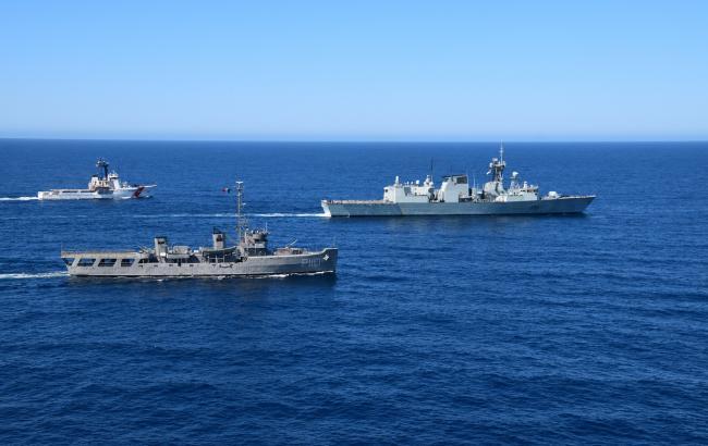 Фото: патрульні кораблі ВМС Канади