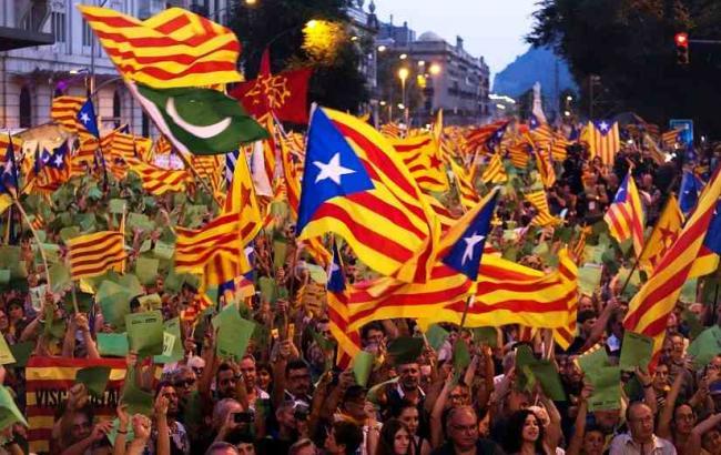 Фото: суд Испании заблокировал выделенную на референдум часть бюджета Каталонии