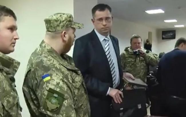 У прокурора Краматорска изъяли почти 3 млн грн и 110 тыс. долл