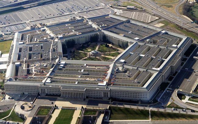 Фото: у Пентагоні заявили про перехоплення російських Су-27 літака Р-8 ВМС США