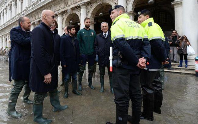 Венеция ожидает новую волну прилива, объявлен высший уровень опасности