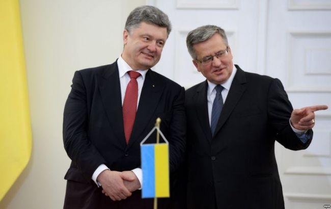 Коморовський обговорить в Україні миротворців і санкції проти РФ