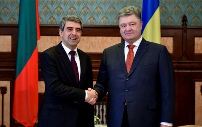 Порошенко и Плевниев обсудили пути ускорения введения безвизового режима Украины с ЕС