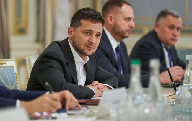 """Зеленський обговорив саміт """"нормандської четвірки"""" з Маасом"""