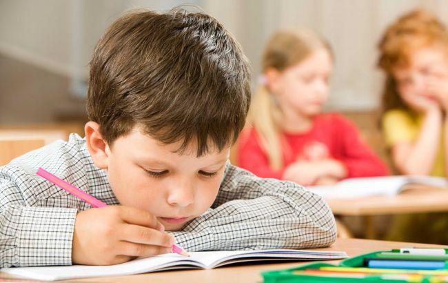 Фото: ученики младших классов Украины будут учиться по новым требованиям