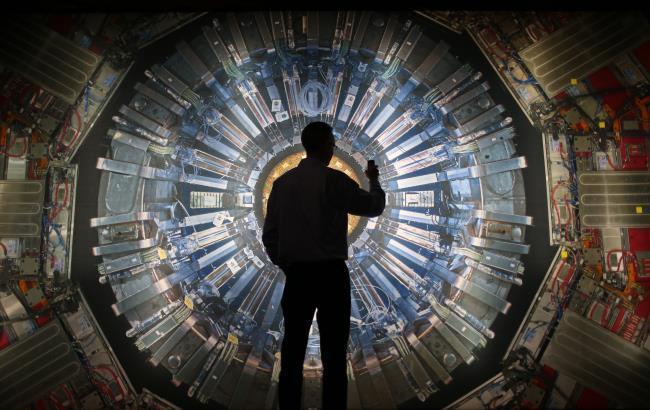 Фото: Большой адронный коллайдер (ibtimes.com)