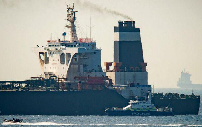 У берегов Гибралтара задержали танкер по просьбе США