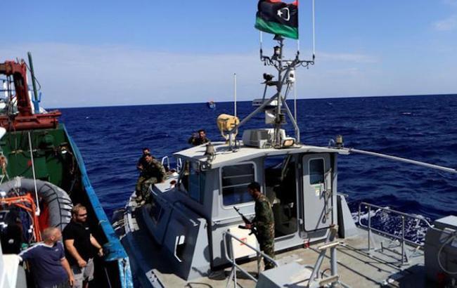 Фото: судно (anna.news)