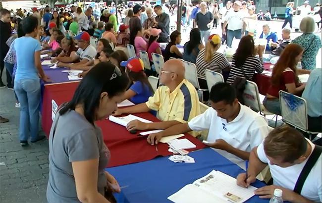 Фото: голосування у Венесуелі (youtube.com/CGTN America)