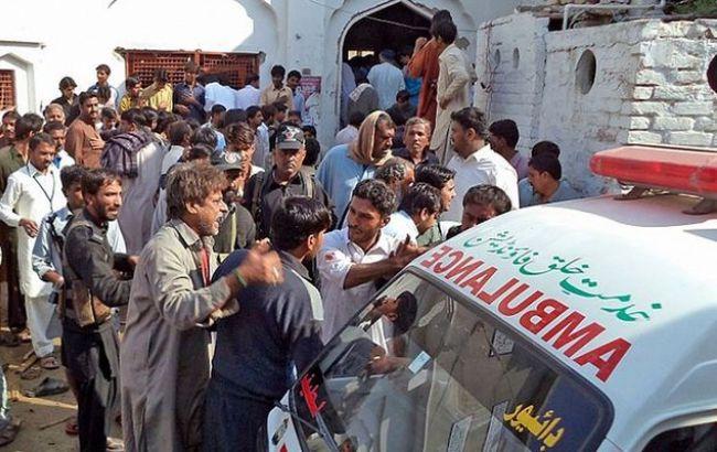 Фото: В пакистанском храме произошел взрыв