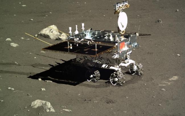 Фото: робота китайського місяцеходу завершена