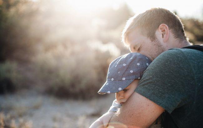 В Україні зможуть йти в декрет чоловіки: в країні зрівняють права батьків