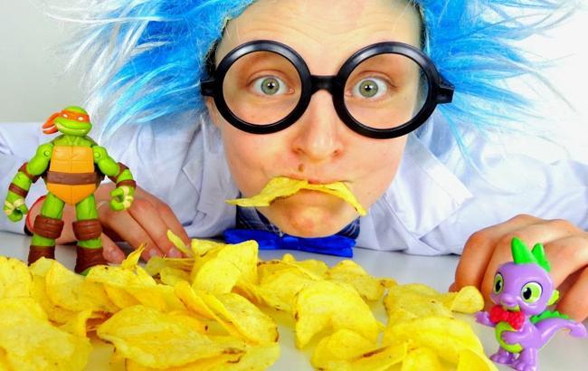 Не їж мене: названа найбільш шкідлива їжа для дітей