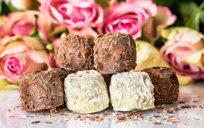 """Под Киевом в конфетах из супермаркета нашли неприятный """"сюрприз"""""""