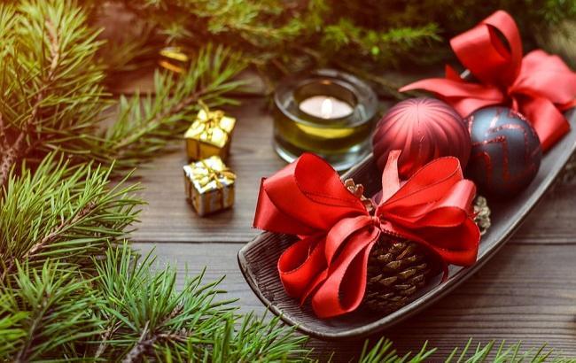 Новогодние подарки из сладостей