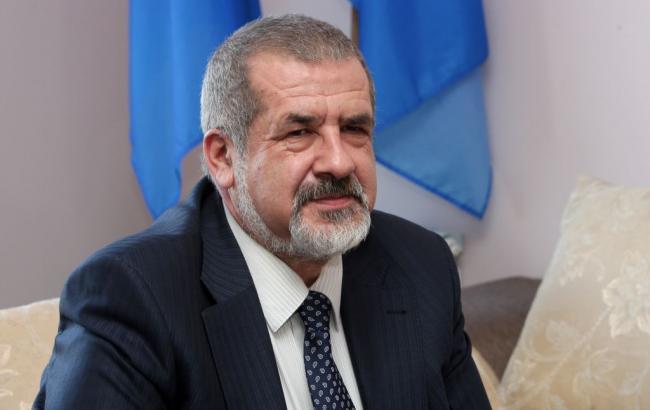 В Крыму провели обыск в доме главы регионального меджлиса Аметова