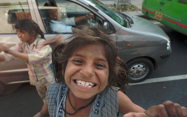 Фото: Цыганские дети-попрошайки (nnm.me)