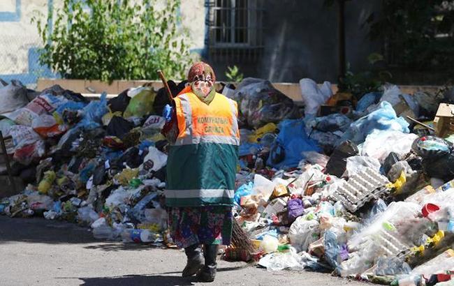 Фото: мусор на улицах Львова (city-adm.lviv.ua)