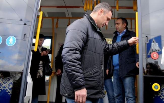 Скільки автобусів, тролейбусів та трамваїв купить Київ в 2017 році