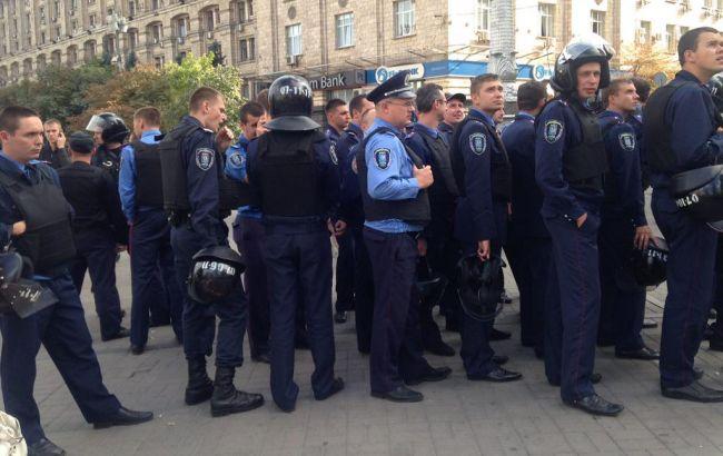 В столкновении фанатов на Майдане пострадали 2 человека, - МВД
