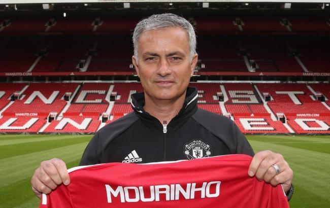 """Керівництво """"Манчестер Юнайтед"""" не планує змінювати Моурінью на Зідана"""