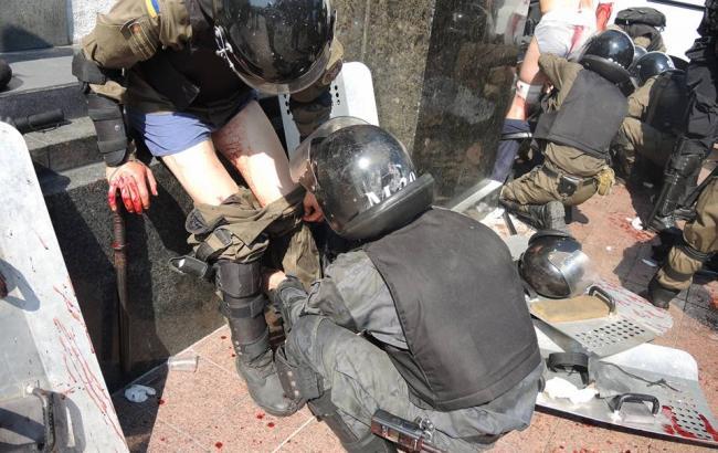 У сутичках під Радою постраждали як мінімум 15 правоохоронців