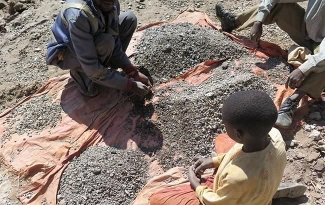 Фото: детский труд в Африке (Amnesty International)
