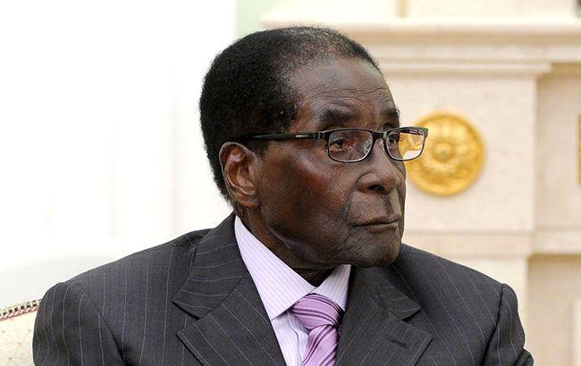 Військовий переворот у Зімбабве: затриманий президент Мугабе здружиною