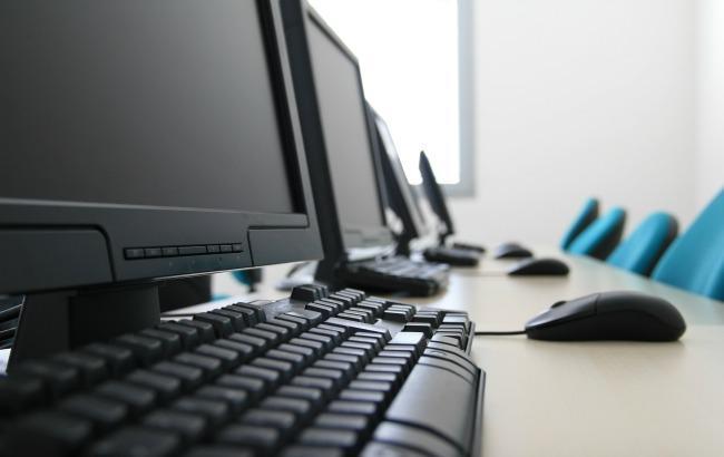 Фото: до 2021 року Німеччина комп'ютеризує всі школи