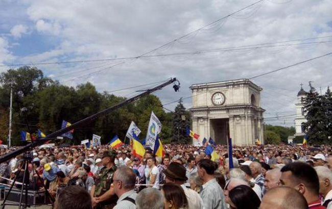 Учасники протесту в Кишиневі вимагають відставки Президента