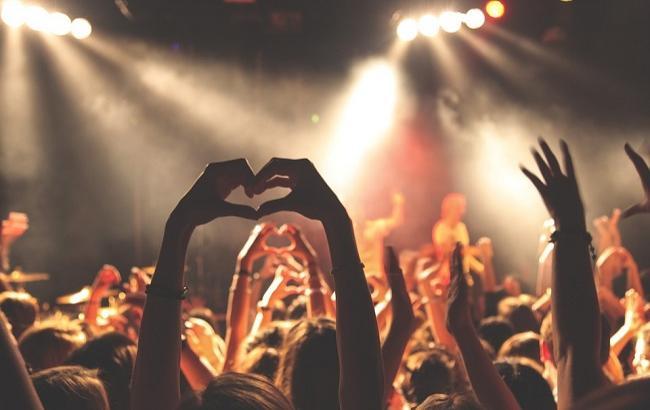 Фото: Концерт на День молоді 2017 (pixabay.com/Unsplash)