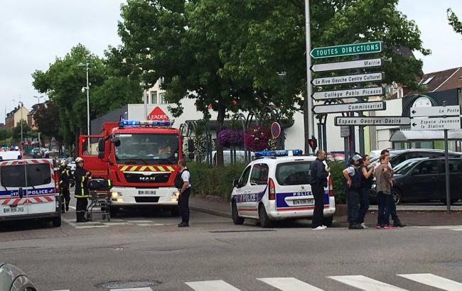 Фото: у результаті захоплення церкви у Франції є жертви