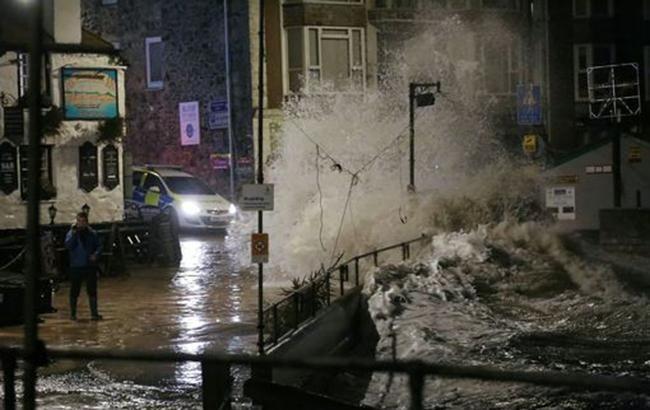 Фото: ураган (Cornwall/LiveSWNS.com)