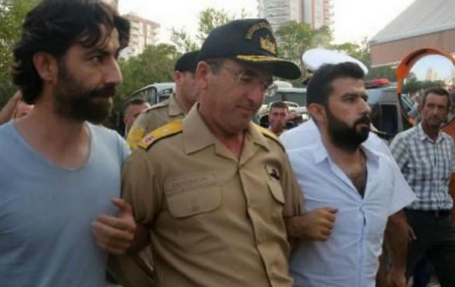 Фото: в Туреччині пред'явили звинувачення бунтівним генералам