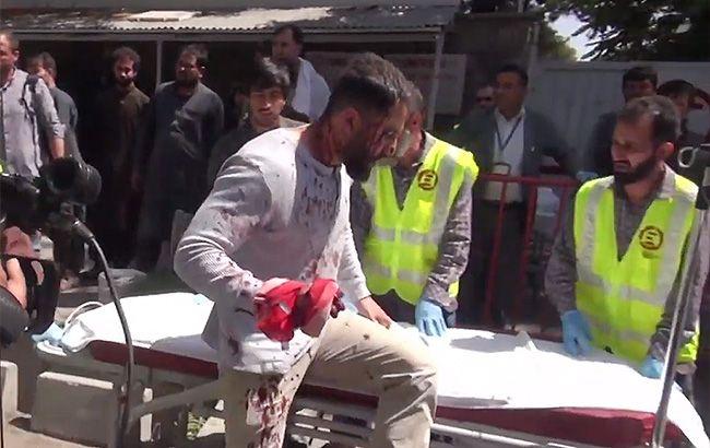Число пострадавших от взрыва в Кабуле приближается к сотне