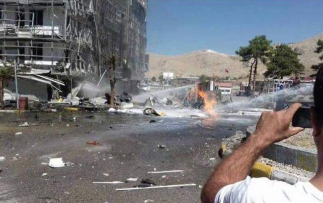 Фото: в результате взрыва в Турции ранены 27 человек