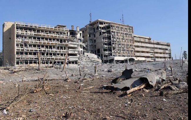 Фото: в результаті авіаударів в передмісті Алеппо зруйнована лікарня