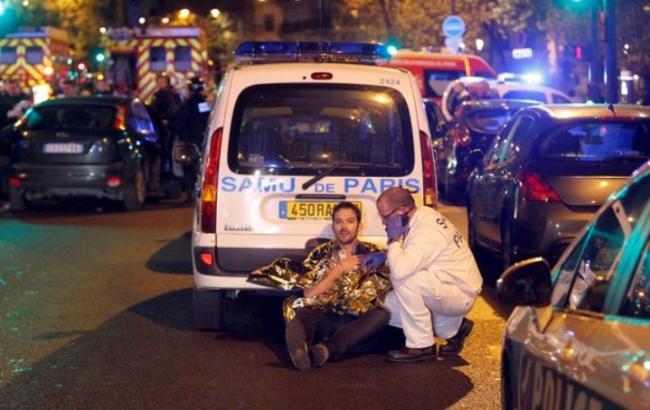 Кількість жертв терактів в Парижі збільшилася до 132