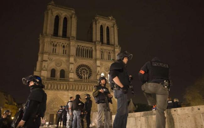 До Парижа прибули 1,5 тисячі військових