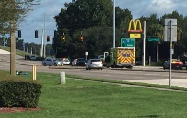 У США озброєні люди захопили заручників у будівлі McDonald