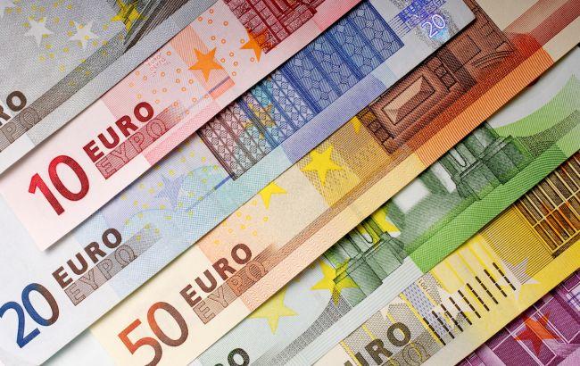 Курс євро зростає третій день поспіль