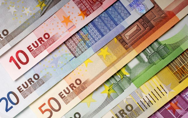 НБУ поднял курс евро до максимума с начала марта