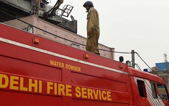 В Индии произошел пожар на фабрике, десятки погибших