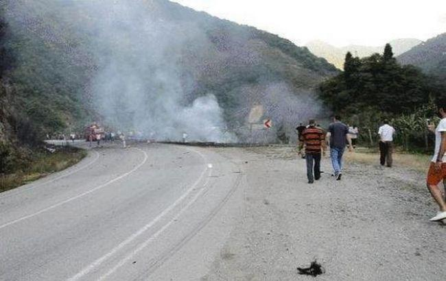 Фото: обстріл дороги між Анталією і Кемером
