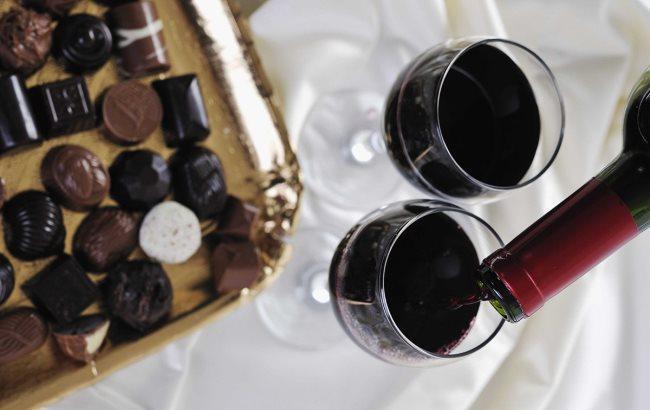 Фото: Вино і цукерки (creative-wine.ru)