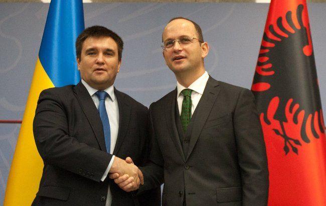 Фото: Україна і Албанія скасувала візи між країнами