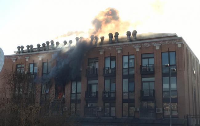 Фото: пожар в химической лаборатории пекинского университета