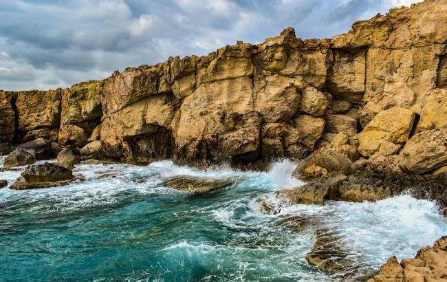 Отдыха на пляжах не ждать: почему в этом году украинцы останутся без отпуска на Кипре